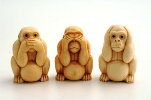 Three Wise Monkeys (www.ivoryandart.com)