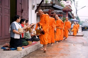 Monks Receiving Alms  (Image Credit © Tristan Savatier - http://www.loupiote.com)