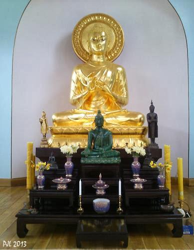 Phra Buddha Dhammacakra (01-04-13)
